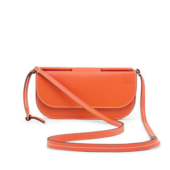 LOEWE Gate Pochette Orange/Oxblood front