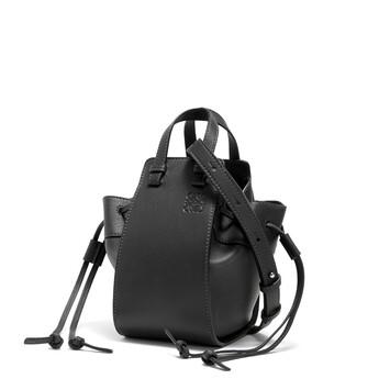 LOEWE Hammock Drawstring Mini Bag 黑色 front