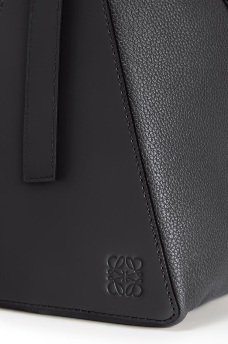 LOEWE Large Berlingo bag in grained calfskin Black pdp_rd