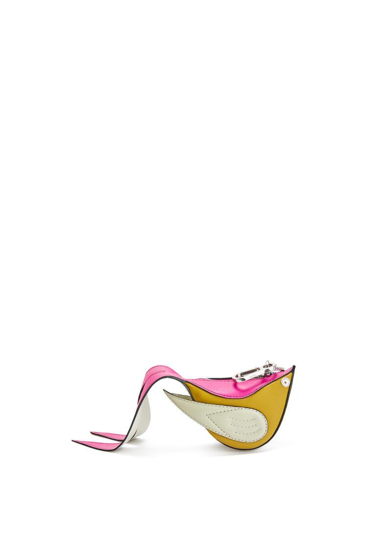 LOEWE Charm Bird en piel de ternera Caolín/Salvia pdp_rd