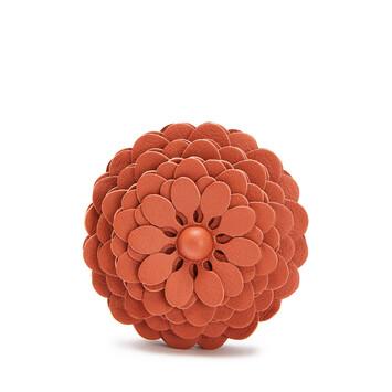 LOEWE Stud Flower 珊瑚紅 front