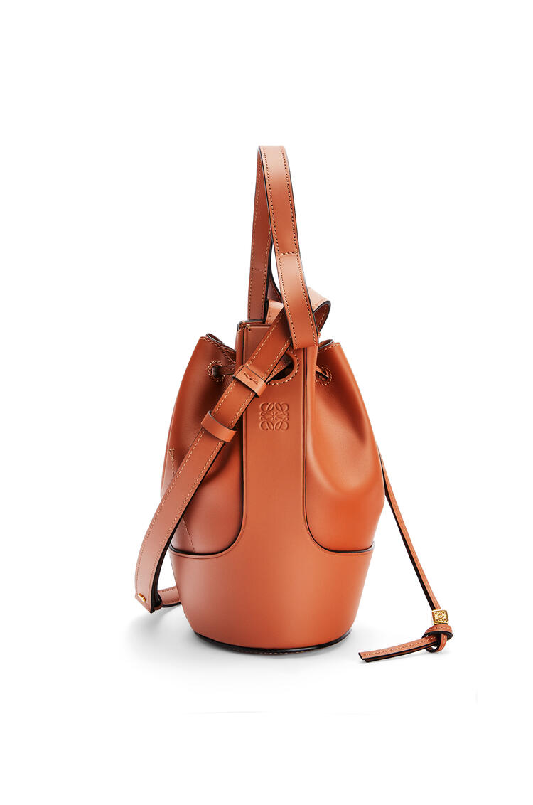 LOEWE Small Balloon bag in nappa calfskin 棕色 pdp_rd