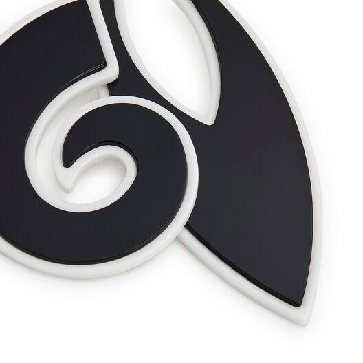 LOEWE Paula Leaf Earrings 黑色 front