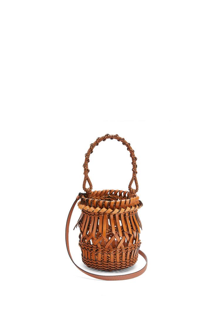 LOEWE Small Fringes Bucket bag in calfskin Tan pdp_rd