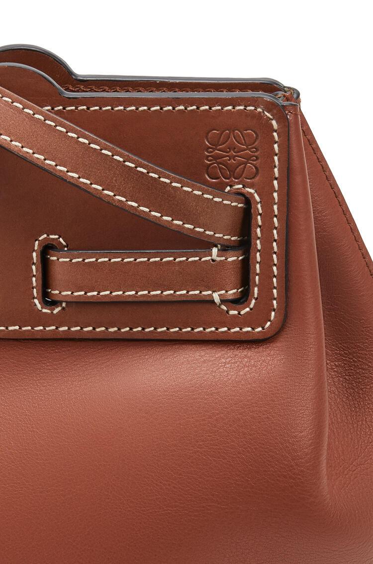 LOEWE Lazo Bucket bag in natural calfskin Rust Color pdp_rd