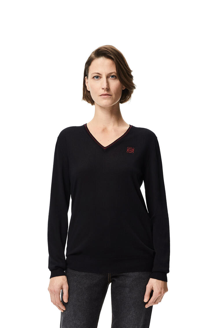 LOEWE Anagram embroidered v-neck sweater in cashmere Black pdp_rd