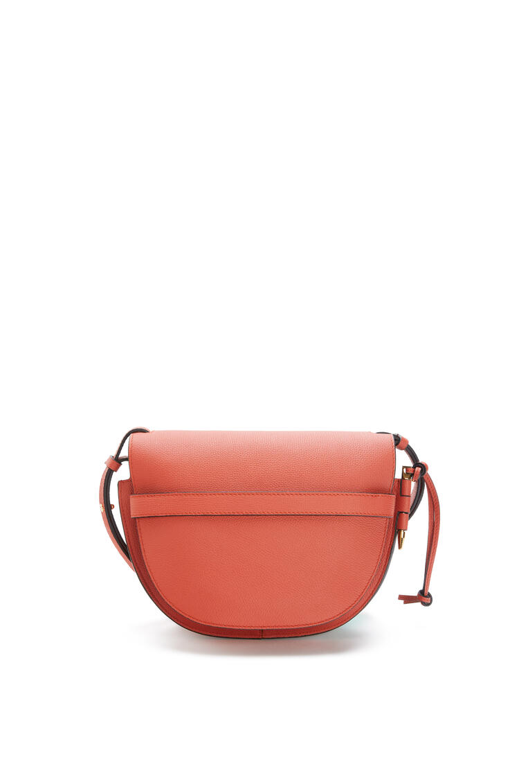 LOEWE Small Gate bag in pebble grain calfskin Pumpkin pdp_rd