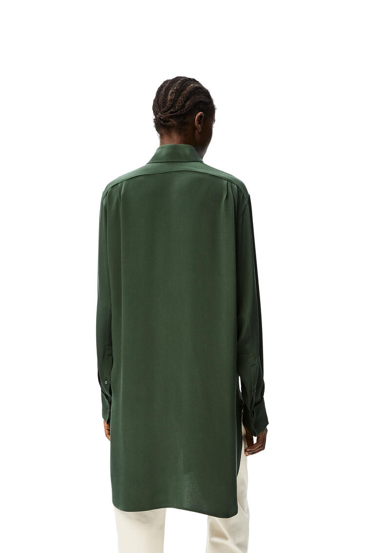 LOEWE Long oversize shirt in silk crepe de chine Forest Green pdp_rd