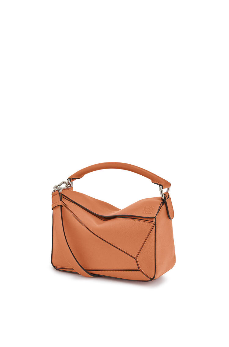 LOEWE Small Puzzle bag in classic calfskin 棕褐 pdp_rd