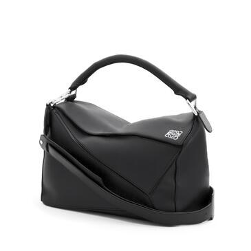 LOEWE Puzzle bag in classic calfskin Black pdp_rd