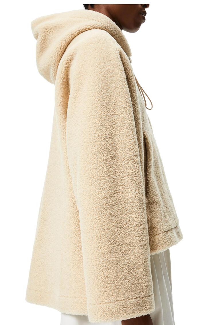 LOEWE Chaqueta en lana de oveja con cremallera y capucha Crema/Azul/Morado pdp_rd
