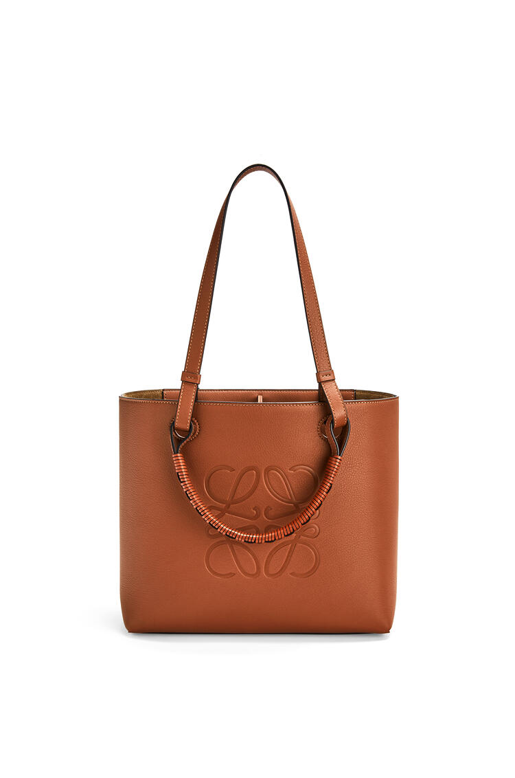 LOEWE Small Anagram tote bag in classic calfskin Tan pdp_rd