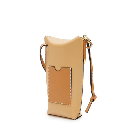 LOEWE Gate Pocket In Soft Calfskin Dune/Vanilla front