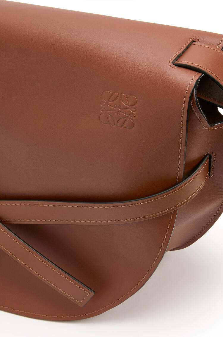 LOEWE XL Gate bag in smooth calfskin Cognac pdp_rd