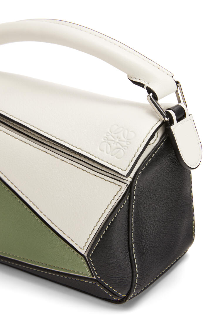 LOEWE パズルバッグ ミニ  (クラシックカーフ) Soft White/Rosemary pdp_rd