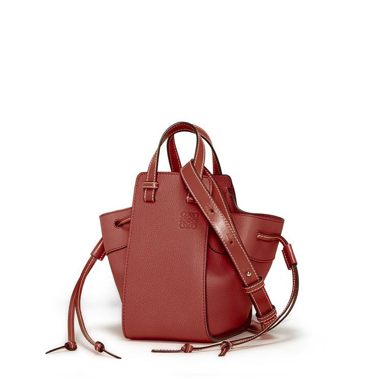 LOEWE Mini Hammock Drawstring bag in soft grained calfskin Garnet pdp_rd