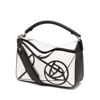 LOEWE Puzzle Roses Bag White/Black front