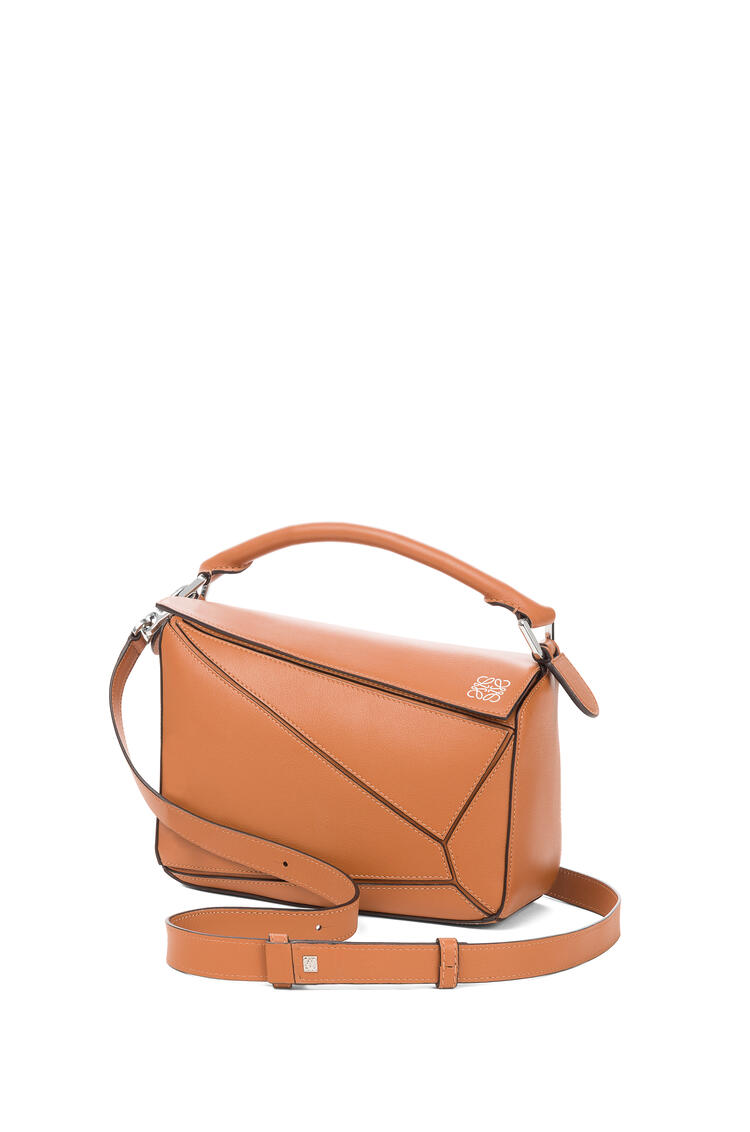 LOEWE Small Puzzle bag in classic calfskin Tan pdp_rd
