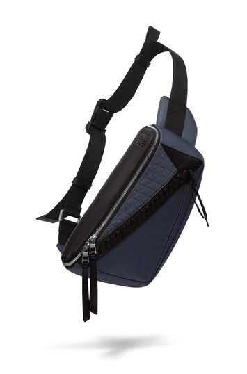 LOEWE Puzzle Sling 蓝黑色 front