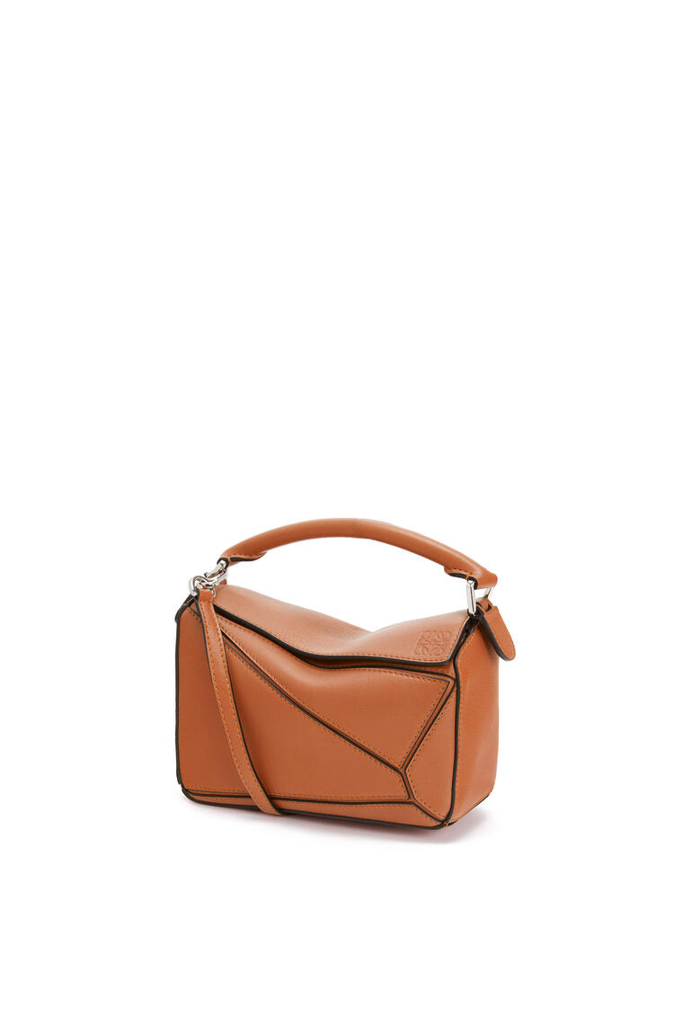 LOEWE Mini Puzzle bag in classic calfskin Tan pdp_rd