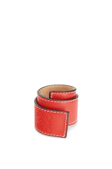 LOEWE Small Slap Bracelet In Calfskin Red pdp_rd
