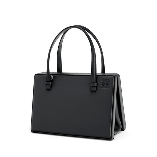 LOEWE Postal Bag ブラック front