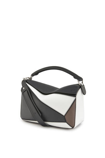 LOEWE Puzzle bag in classic calfskin Black/Taupe pdp_rd