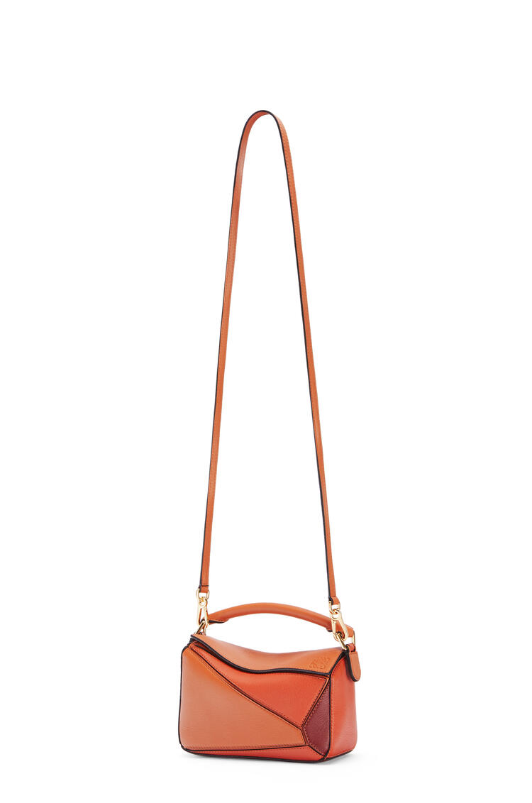 LOEWE Minibolso Puzzle en piel de ternera clásica Naranja Especia/Calabaza pdp_rd