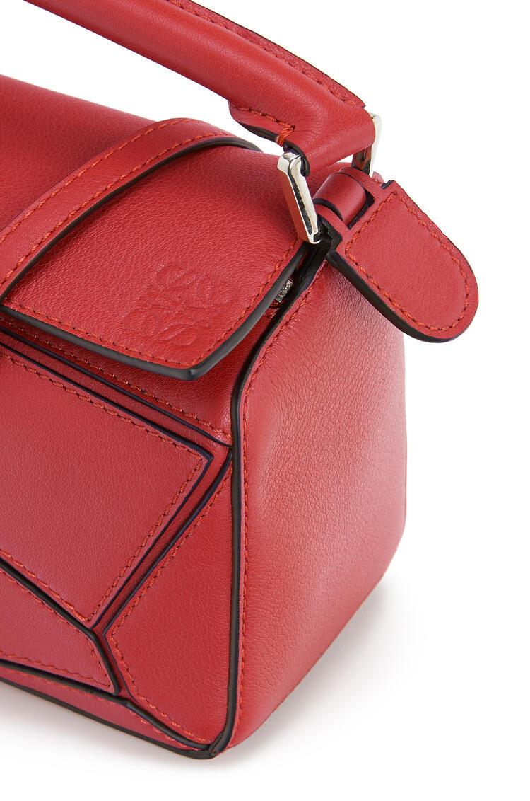LOEWE Mini Puzzle Bag In Classic Calfskin Pomodoro pdp_rd