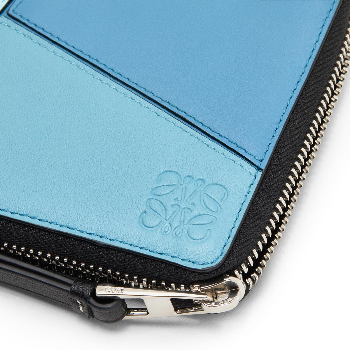 LOEWE Puzzle Square Zip Wallet blue multitone front