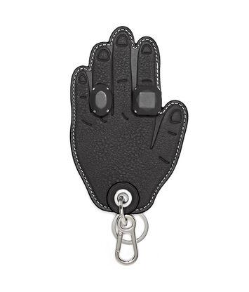 LOEWE Hand Charm 黑色 front