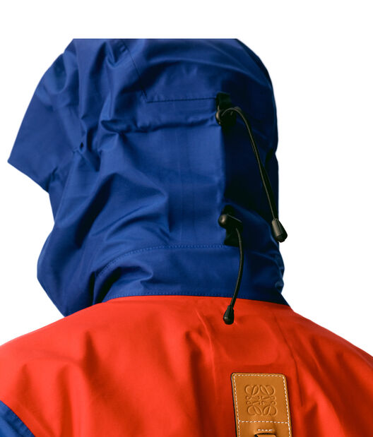 LOEWE Technical Parka Red/Blue front
