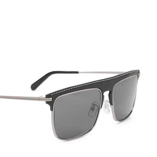 LOEWE Square Sunglasses Black/Smoke front