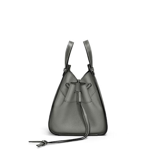LOEWE Hammock Drawstring Mini Bag 青铜色 front
