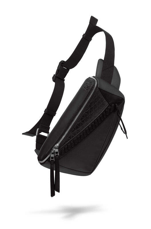 LOEWE Puzzle Sling Negro front