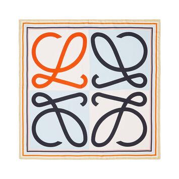 LOEWE 90X90 Scarf Frame Anagram Azul Claro/Naranja front