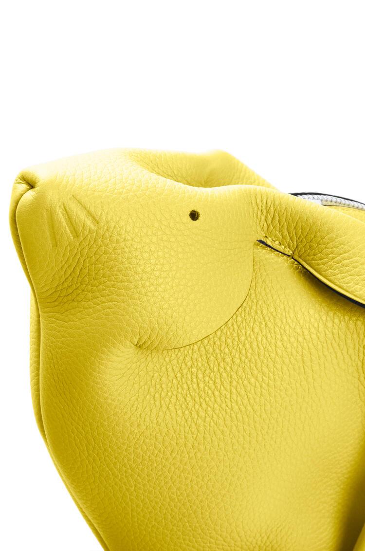 LOEWE Bunny bag in calfskin and shearling Yellow pdp_rd