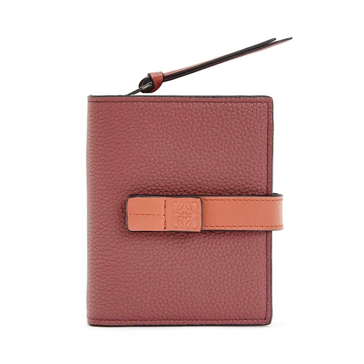 「LOEWE(ロエベ)」の定番レディース二つ折り財布