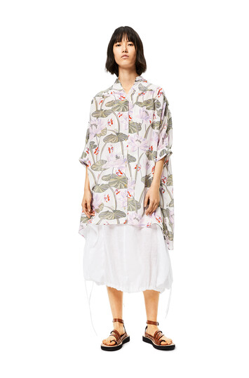 LOEWE Oversize Shirt In Waterlily Silk 白色/粉紅色 front