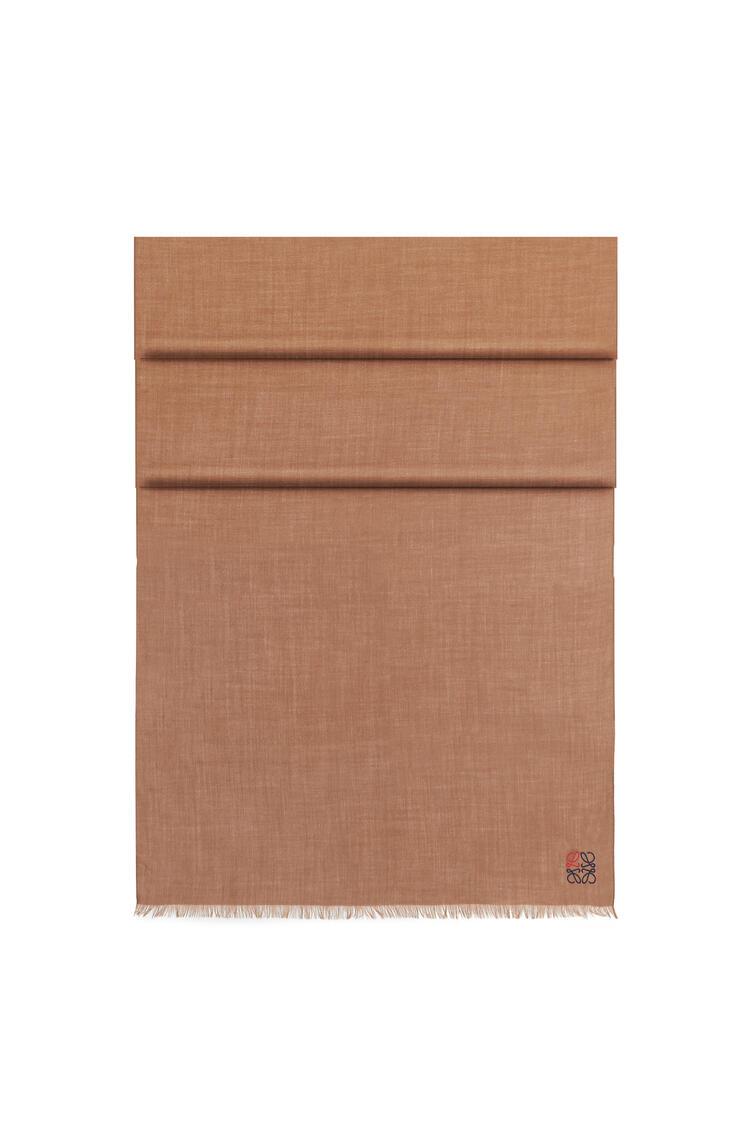 LOEWE 70 x 200 cm LOEWE anagram scarf in cashmere Camel pdp_rd