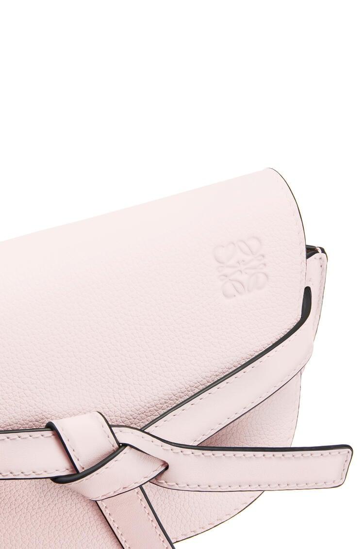 LOEWE ゲートバッグ ミニ(ソフト グレイン カーフスキン) Icy Pink pdp_rd