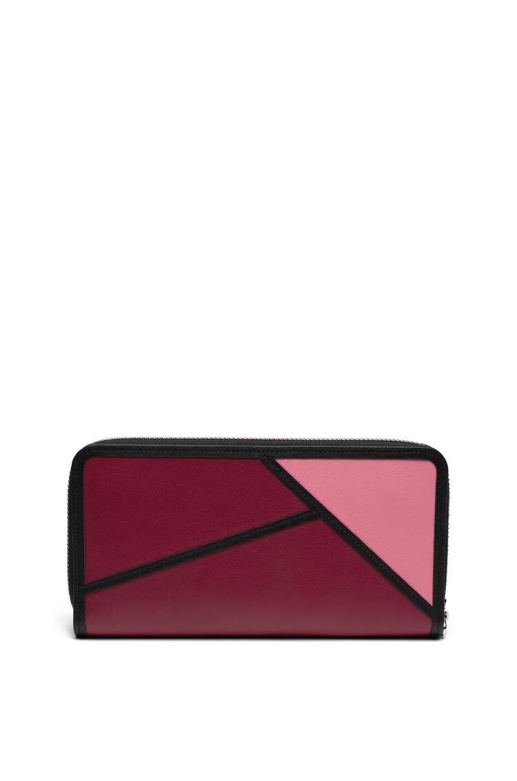 LOEWE Puzzle zip around wallet in classic calfskin Wild Rose/Raspberry pdp_rd
