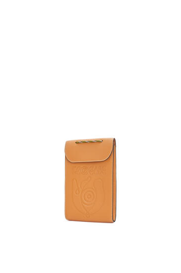 LOEWE Neck pocket in classic calfskin Honey pdp_rd