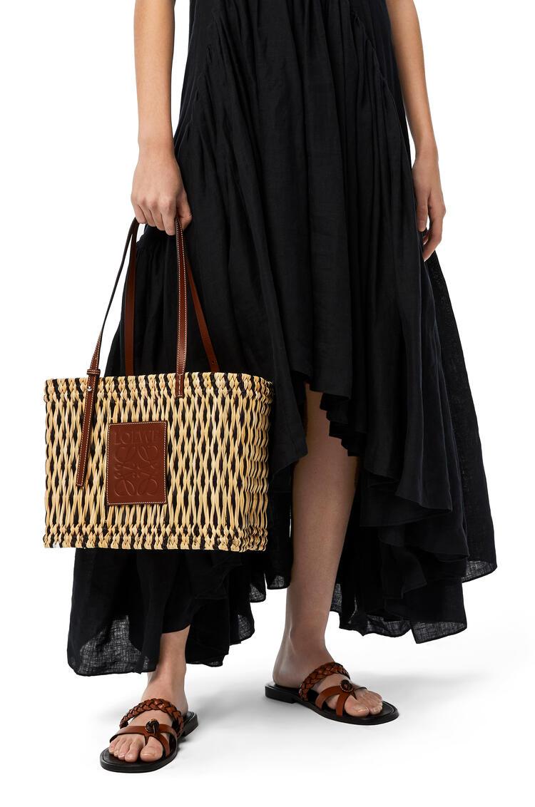 LOEWE Square Basket bag in reed and calfskin Natural/Black/Pecan pdp_rd