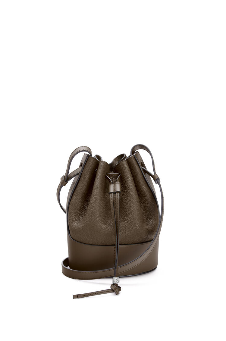 LOEWE Small Balloon bag in grained calfskin Khaki Brown pdp_rd