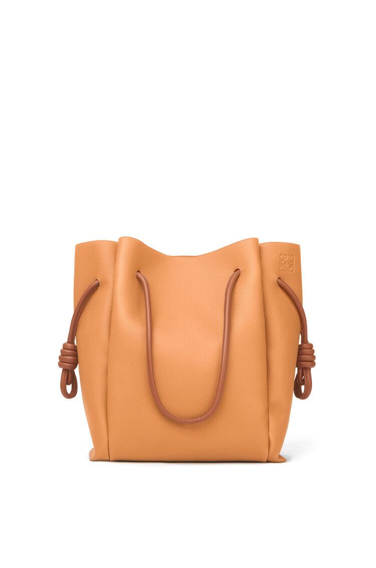 LOEWE Flamenco knot tote bag in soft grained calfskin Light Caramel/Tan pdp_rd
