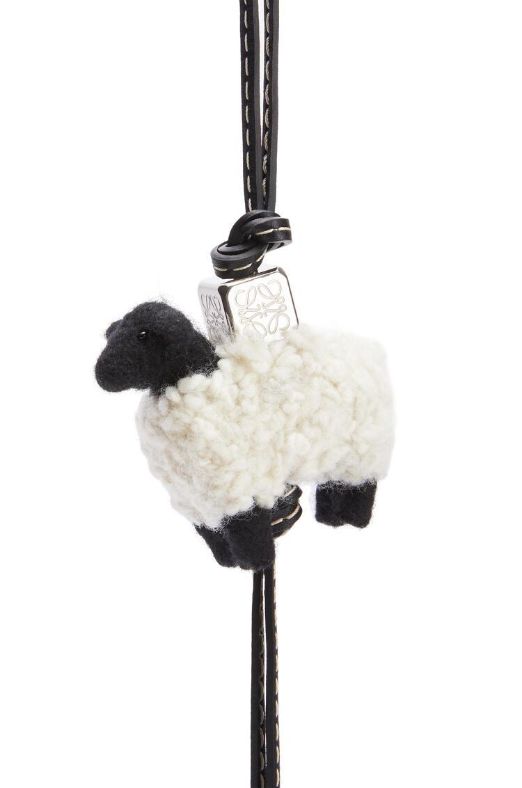 LOEWE Sheep charm in felt and calfskin Natural/Black pdp_rd