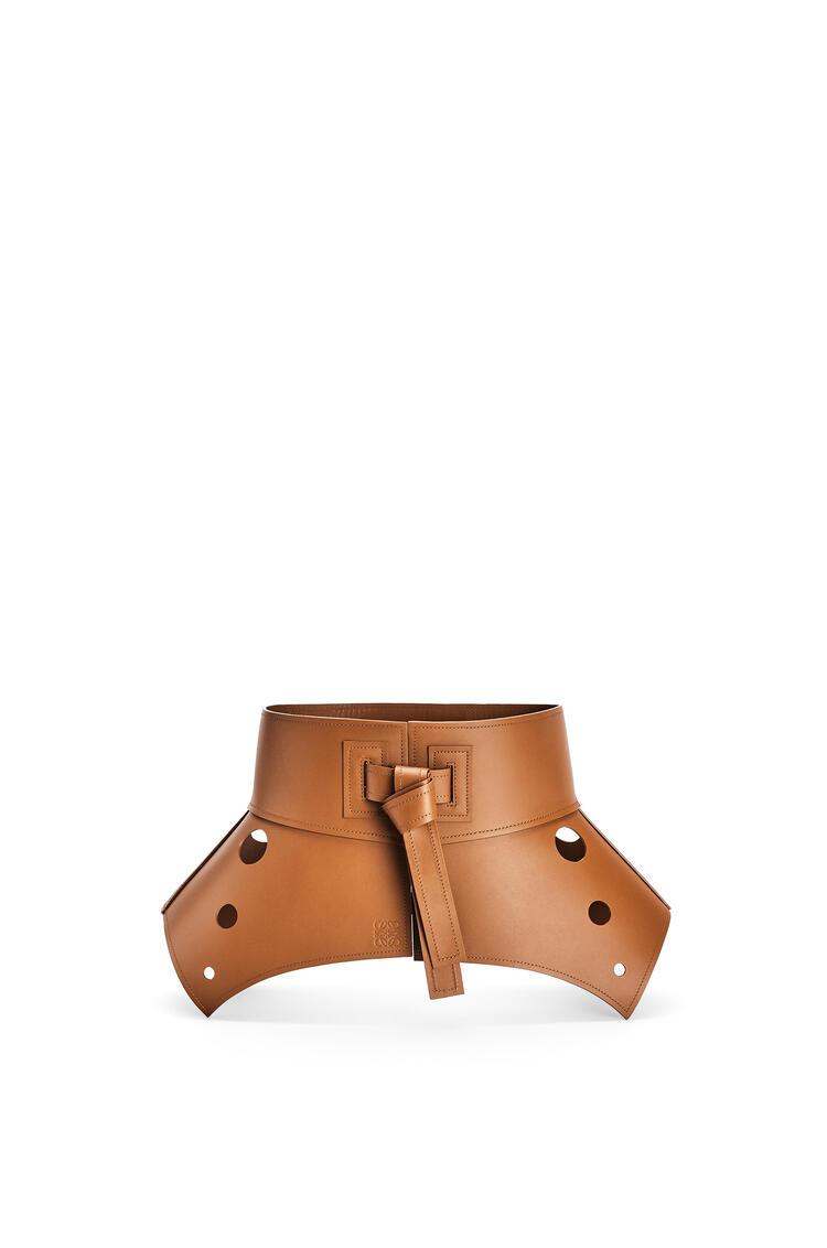 LOEWE Cut-out obi belt in calfskin Tan pdp_rd