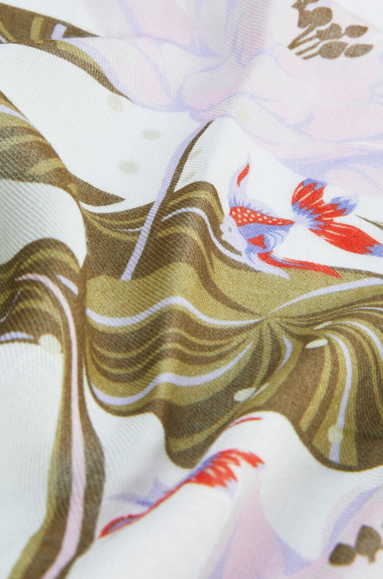 LOEWE Bufanda de 140 x 140 cm en cachemira con nenúfares Blanco/Morado pdp_rd