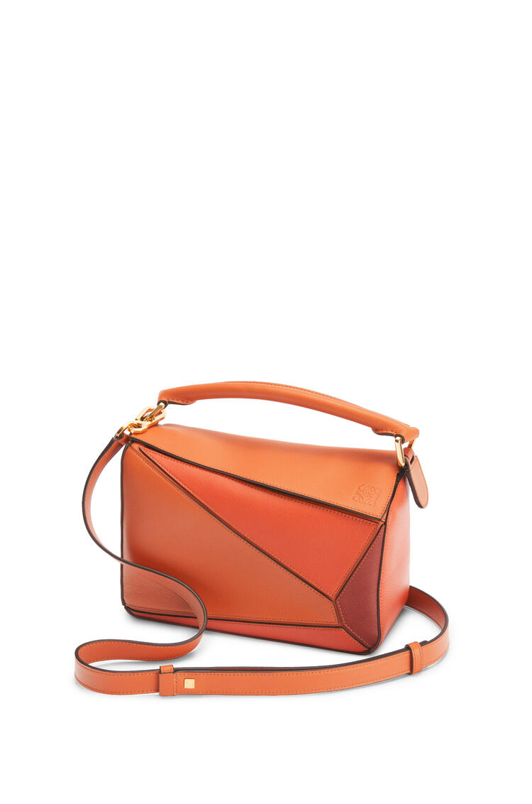 LOEWE Small Puzzle bag in classic calfskin Spice Orange/Pumpkin pdp_rd